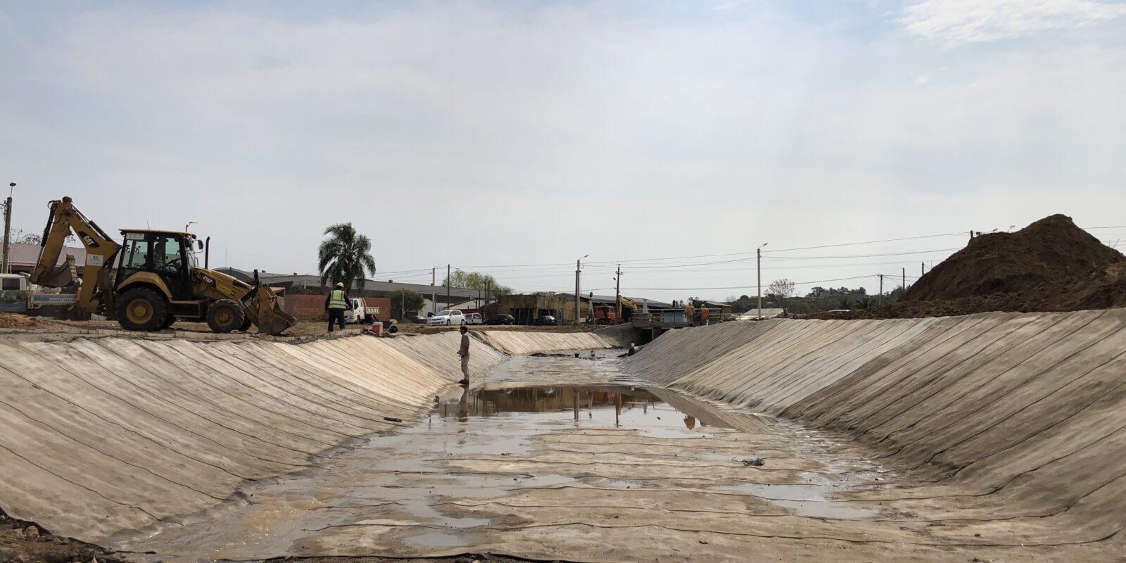 Revestimiento de Canal en Rivera parte 1 y 2